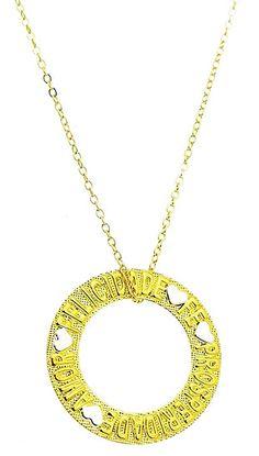 Gargantilha folheada a ouro c/ medalha escrito FELICIDADE, FÉ, PROSPERIDADE e AMOR