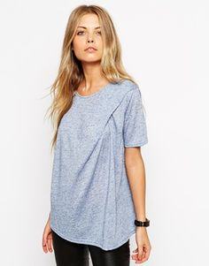Aumentar Camiseta de neppi con detalle retorcido de ASOS