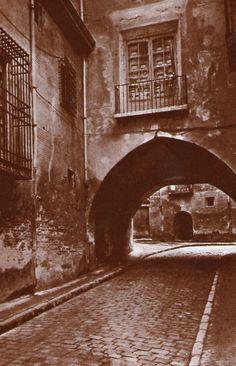 ARAGON EN EL RECUERDO   fotos de Zaragoza Animal Crossing, Mona Lisa, History, Piano, Artwork, Arch, Zaragoza, Antique Photos, Cities