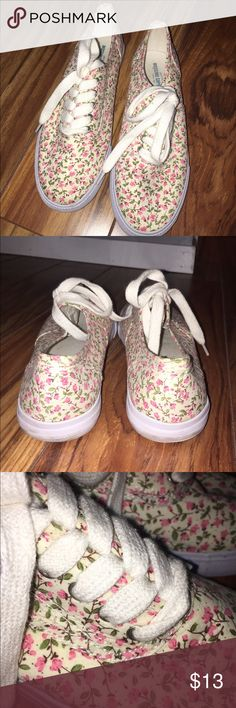 Shoes Adorable flowered shoes! Rarely worn. Super cute with skinny jeans. Light yellow shoe with pink flowers. Size 6. Shoes Sneakers