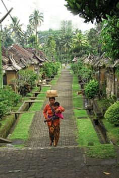 Kampung non polusi di Bali, Indonesia - by Lowell Greenberg Places Around The World, The Places Youll Go, Travel Around The World, Places To See, Around The Worlds, Bali Lombok, Jakarta, Beautiful World, Beautiful Places