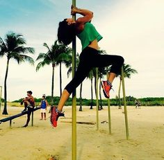 While on vacation in Miami, @larbios had to snap a street pole shot. I've seen so many great street pole photos coming out of South Beach. If you have one, HASHTAG #PoleDanceNation and get your photo featured! #PoleDanceNation #StreetPole #Miami