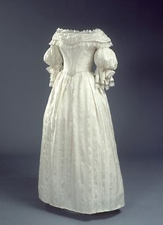 Wedding dress, dated 1837, Danish, National Museet collection: 831/1946. Site in Danish. Includes a graphed pattern taken from the extant dress.