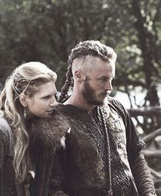LAGERTHA AND RAGNAR ❤️️ IN HAPPIER DAY'S.