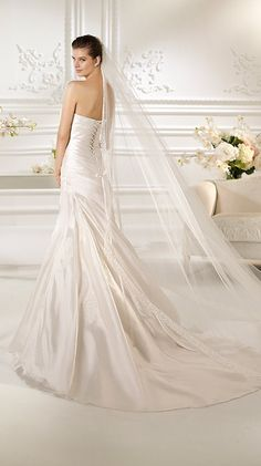 White One 2013 Collection via fashionbride.wordpress.com