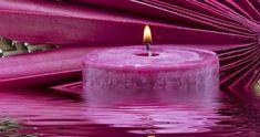 Prière pour rendre la sérénité et augmenter la confiance en soi. À faire pendant sept jours avec une bougie mauve ou violette, q...