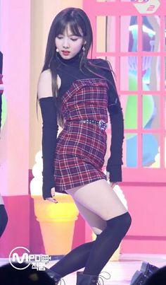 Nayeon Twice, Im Nayeon, K Pop Music, Kokoro, Korean Girl Groups, Kpop Girls, Cool Girl, Ball Gowns, Wedding Dresses