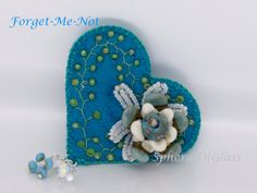 Forget-Me-Not Handmade Felt and Lampwork Bead от spheresofglass