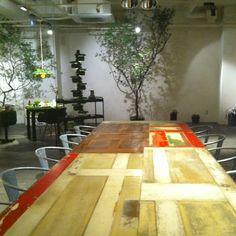 Big table @anteroom