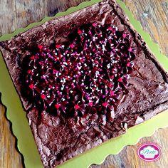 Despierta con el más dulce sabor #Petit y este domingo no olvides celebrar con un postre el #DiadelasMadres  PEDIDOS: petitadictos@gmail.com  #buenosdias #goodmorning #brownies #foodlover #instafood #rico #casero #homemade #pornfood #cake #bizcocho #sweet #picoftheday #gastroblogger #madres #cupcakes #cakedesign #amorencajitas #party #love #cupcake #reposteriacreativa #caracas by petit_lovers