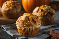 2 pt pumpkin muffins Ingredients: 1 ounce) boxes spice cake mix 15 ounces pumpkin 1 cup water Directions: Mix all ingredients in mixer. Makes 24 muffins. Nutrition Info: Serving Size: 1 g) Healthy Muffin Recipes, Healthy Muffins, Ww Recipes, Healthy Baking, Brunch Recipes, Baking Recipes, Pumpkin Spice Muffins, Pumpkin Spice Latte, Oatmeal Muffins