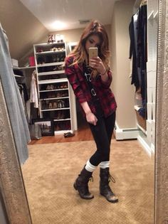 Acacia) my mirror picture and...I found out my crush like me....im happy