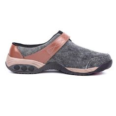 Women's foot support denim slip on clog approved by the American Podiatric Medical Association. Providing superior Arch Support, a deep heel cup and personalized heel support. Style, comfort & function casual shoe. Free Shipping & exchanges.$120