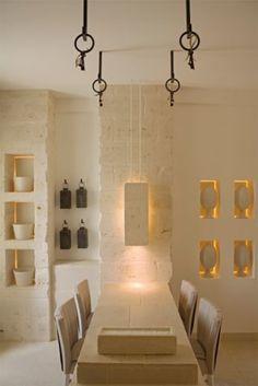 Una Casa in Pietra in Puglia Interior Exterior, Room Interior, Interior Architecture, Estilo Interior, Interior Styling, Interior Design, Casa Milano, Casa Hotel, Adobe House
