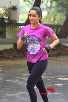 Bollywood actress Shraddha Kapoor enjoys a job by herself in Mumbai on January (Image: Yogen Shah) Shraddha Kapoor Cute, Sonam Kapoor, Deepika Padukone, Prettiest Actresses, Hot Actresses, Indian Actresses, Parneeti Chopra, Bollywood Images, Sraddha Kapoor