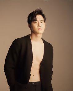 Kim Junmyeon, Suho Exo, Mens Fashion, Actors, Moda Masculina, Man Fashion, Fashion Men, Men's Fashion Styles, Men's Fashion