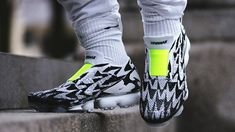 ACRONYM Nike Air Vapormax Flyknit Moc 2.0 AQ0996-001 01 White Basketball Shoes, Nike Basketball Socks, Basketball Hoop, Nike Air Vapormax, Air Max 90, Sneakers Fashion, Nike Shoes, Sneakers Nike, Nike Flyknit