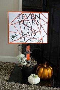 Broken mirror bad luck Halloween Sign. #krylonmysterybox