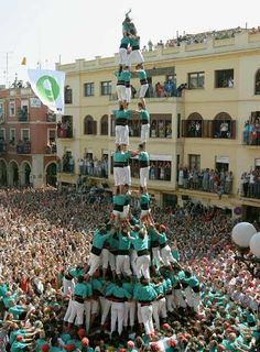 A casteller (human pyramid) at the Festa Major (Fiesta Mayor) de Vilafranca del Penedés, in Cataluña.