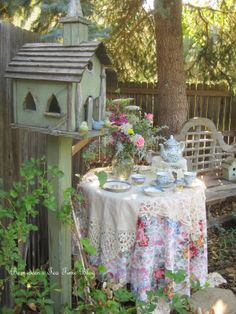 Bernideen's Tea Time Blog: TEA IN THE GARDEN WITH THE BIRDS
