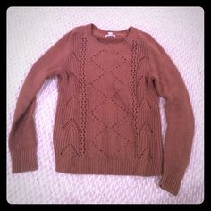 Brown cozy sweater Great condition Old Navy Sweaters Crew & Scoop Necks