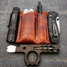 Some solid tool selection here. Classy too. Digging that Wise Men Company tool! Survival Fishing, Survival Tools, Survival Gadgets, Edc Gadgets, Survival Stuff, Survival Equipment, Urban Survival, Bushcraft Gear, Everyday Carry Gear