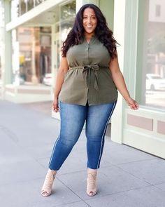 Stylish Plus-Size Fashion Ideas – Designer Fashion Tips Curvy Fashion Summer, Plus Size Fashion For Summer, Summer Outfits For Teens, Curvy Outfits, Plus Size Outfits, Stylish Plus, Clothing Sites, Size Clothing, Fashion Over 50