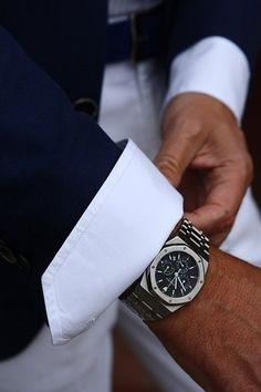 Audemars Piguet Royal Oak chronograph in stainless steel black dial. Audemars Piguet, Royal Oak, Sharp Dressed Man, Well Dressed Men, Cool Watches, Watches For Men, Dream Watches, Casual Watches, Men's Watches