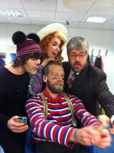 Noel Fielding with Paloma Faith, Tony Law and Phil Jupitus backstage at NMTB.