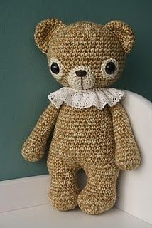 old fashion crochet teddy bear -- in love with this yarn