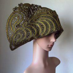 L. N. Ten. Hats Atlanta (2 caps khaki). The netting coupling. . Cotton, gold thread, metallic thread. 2014. Tashkent.
