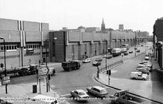 The Broadmarsh Centre was built upon streets which had been cleared of slum yards and housing. Foundations were begun in the late Nottingham Caves, Nottingham City Centre, Good Old Times, Slums, Derbyshire, Filming Locations, Historical Photos, United Kingdom, Street View