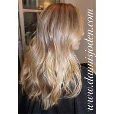Summer sunkissed blonde Balayage and beach waves. Hair by Danni in Denver CO