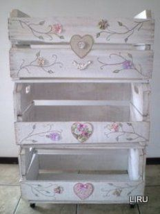 Mini estantería con Cajas de Fresas