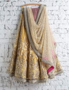 Lehenga Choli: Best Indian Lengha and Ghagra Choli Online Indian Fashion Dresses, Indian Designer Outfits, Indian Designers, Designer Dresses, Indian Wedding Outfits, Indian Outfits, Indian Weddings, Eid Outfits, Work Outfits