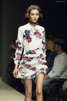 https://flic.kr/p/CPzFPN | Altaroma Gennaio 2016 - Greta Boldini - | Altaroma Gennaio 2016 - Greta Boldini -  © tiziano toma for Mint Magazine  #Altaroma #Altamoda #gretaboldini #Fashion #Fashionweek #fashionweekroma #tizianotomaphoto #boldini