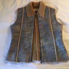 NEW🎉 Super cute fur vest Super soft!! Very cute with jeans and boots! Perfect for winter and fall or chilly nights. NWOT. Blac Noir Jackets & Coats Vests