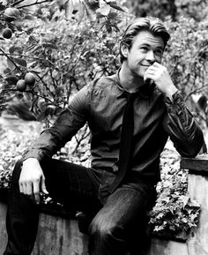 Chris Hemsworth, adorable.