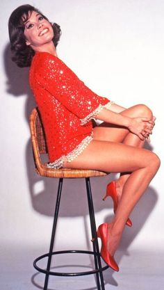 Mary Tyler Moore - She was great at what she did, but her perkiness was almost nauseating. Difficult to see her as a sexual person Great Legs, Nice Legs, Classic Beauty, Timeless Beauty, Classic Tv, Beautiful Celebrities, Beautiful Actresses, Beautiful Women, Beautiful Smile