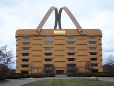 Strange-looking buildings around the world. This is the Longaberger building made to look like their product, a basket! Unusual Buildings, Interesting Buildings, Amazing Buildings, The Buckeye State, Vacation Memories, Us Road Trip, Unique Architecture, Building Structure, Vacation Destinations