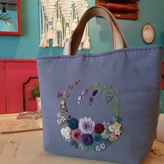 #프랑스자수 #송도 #송도자수카페 #수강생 모집#스티치북 #토트백#자수가방#embroidery #handmade #stitch #totebag #needlework Shibori, Hand Embroidery, Shopping Bag, Projects To Try, Patches, Reusable Tote Bags, Wool, Sewing, My Style