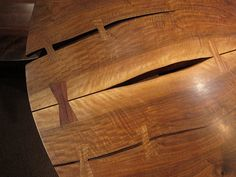 Detail from Nakashima reading table at the Met, the link is a tutorial!