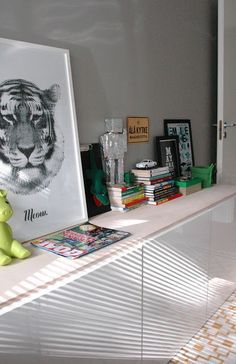 moderni puutalo: Pojan huoneen Bestå + vanerilevy 15mm Kid Spaces, Beautiful Children, My House, Living Room, Home, Beautiful Kids, Home Living Room, Drawing Room, Kid Rooms