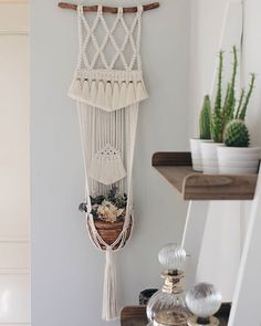 Very special plant hanger with tassels Macrame Wall Hanging Patterns, Macrame Art, Macrame Patterns, Macrame Projects, Macrame Knots, Macrame Plant Holder, Macrame Plant Hangers, Wall Hanger, Inspiration