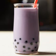 Taro root gives this bubble tea its purple color. Add tapioca pearls and make your very own bubble tea.Slideshow: More Nonalcoholic Drinks Taro Bubble Tea, Bubble Milk Tea, Milk Tea Recipes, Wine Recipes, Taro Recipes, Easy Bubble Tea Recipe, Taro Boba, Boba Tea Recipe, Boba Drink