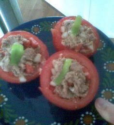 Tomatoes stuffed with Tuna (paleo)