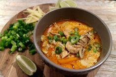 Tælensk kjúklingasúpa Soup Recipes, Chicken Recipes, Asian Recipes, Ethnic Recipes, Thai Red Curry, Goodies, Food And Drink, Cooking, Iceland