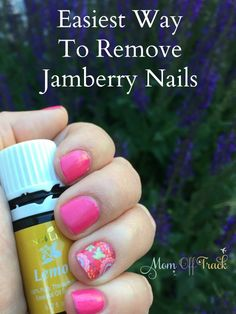 Love doing your nails with Jamberry but having a hard time getting those gorgeous nail designs off?  This super easy method to remove nail art really surprised me.