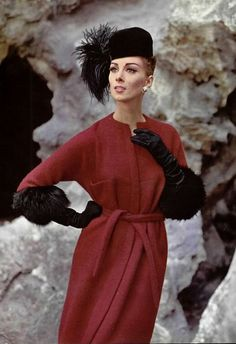 Pierre Cardin, born Pietro Cardin in is an Italian-born French fashion designer. He is known for his avant-garde style and his Space A. Pierre Cardin, Look Vintage, Vintage Mode, Vintage Ladies, Vintage Glam, Sixties Fashion, Retro Fashion, Vintage Fashion, Fashion Photo