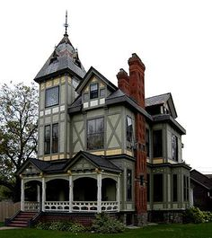 Welcome to Craig & Yvonnes Victorian Home